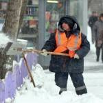 Сильные снегопады в столице едва не привели к транспортному коллапсу